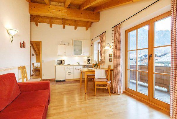 Ferienwohnung Hausberg - Wohnen und Kochen
