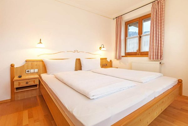 Holiday apartment Walmberg - Bedroom with Flat TV